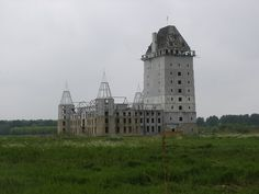 Abandoned Castle Project near Almere in the Netherlands has Become a Modern Ruin Abandoned Castles, Abandoned Places, Castle Project, Kingdom Of The Netherlands, Castle Ruins, Stone Houses, Haunted Places, New City, Old Buildings