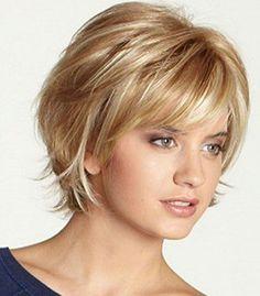 18 Short Haircuts for Women with Fine Hair - Hair styles - Cheveux Thin Hair Cuts, Short Hair With Layers, Medium Hair Cuts, Short Hair Cuts For Women With Bangs, Short Cuts, Short Fine Hair Cuts, Medium Fine Hair, Hair Layers, Short Hair Older Women