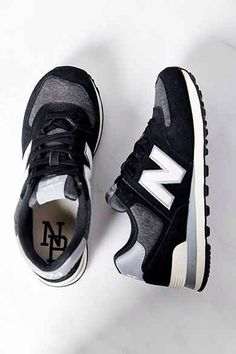 Cool New Balance tennies