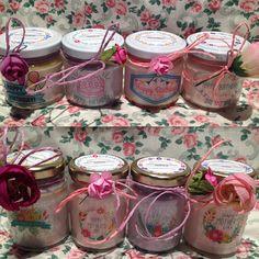 4 vasetti con candele di cera di soia e oli essenziali per
