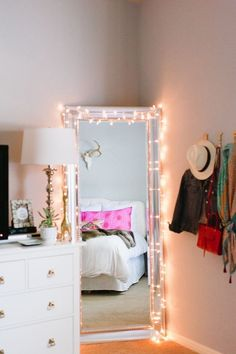 10 Ways to Decorate with String Lights #Home #DIY