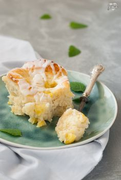 Girelle di pan brioche al cocco e ananas, soffici e cremose #coconut #pineapple #Hefeteig
