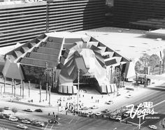 MGM exterior on opening day December 18, 1993
