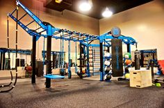 MoveStrong Nova-6 FTS with extended monkey bar bridge. Functional fitness training at Golds Gym for group workout classes