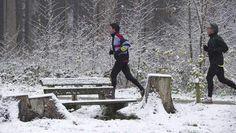 Zondag 2 december 2012  Mogelijk valt er maandag weer (natte) sneeuw - AD.nl