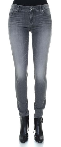 Lucky Brand Women's Mid Rise Lolita Skinny Jean in Vista (24x30, Vista). 5 pocket styling with zip fly and button closure. Mid-rise curvy fit skinny jean in stretch denim featuring black wash with whiskering and fading. Contoured waistband with logo patch. 10-inch leg opening, 31-inch inseam.