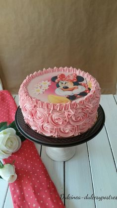 Mini Mouse Cake, Minnie Mouse Birthday Invitations, Minnie Mouse Birthday Cakes, 3rd Birthday Cakes, Cake Decorating Designs, Creative Cake Decorating, Cake Designs, Bolo Minnie, Minnie Cake