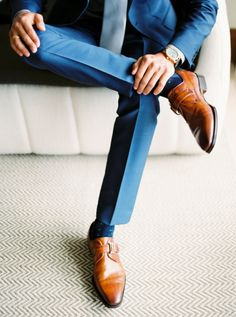 Great groom style for wedding day | blue suit, brown shoes