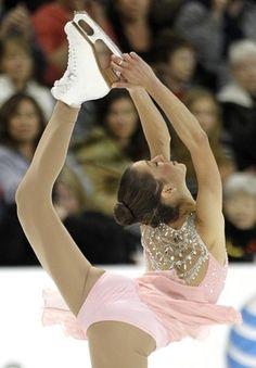 Alissa Czisny Ice Scating >3