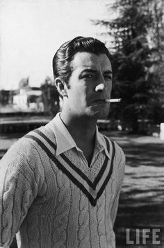 The Cable Knit Tennis Sweater - Cricket Jumper — Gentleman's Gazette Hollywood Icons, Hollywood Actor, Golden Age Of Hollywood, Hollywood Stars, Classic Hollywood, Old Hollywood, Hollywood Glamour, Dandy, Robert Taylor Actor