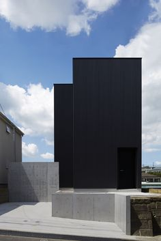Black corrugated metal encases loft-inspired interiors of Japanese house by TakaTina Dezeen Architecture, Black Architecture, Modern Architecture Design, Residential Architecture, Interior Architecture, Melbourne Architecture, Modern Buildings, Black Box, Metal Cladding
