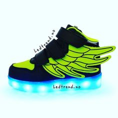 Raske sko til raske karer  #ledtrend #barnemote #barnegave #gavetips #sko #barnesko #rosa #rosasko #jentesko #jentemote #julegaver #jul2016 #barnemoro #dragonfly #skonyheter #ledsquad #dans #dansetime #danseløve #dansesko #blinkesko