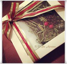 聖誕節與最愛的人薰享心意未?  X' mas gift box set 現已推出! (包括一部香薰機 +一枝精油)  節日限定發售!節日限定發售!  有興趣歡迎 inbox 或email : lovesharoma@gmail.com