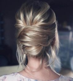As luzes realçam o penteado e coque gordo precisa de comprimento longo ou aplique ❤️❤️❤️ @tonyastylist…