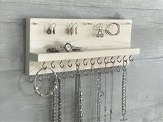 White Stained Jewelry Organizer Necklace Holder – Wall Mounted Rustic Wood, Necklaces Bracelets Earrings - About jewelry organizer diy Jewelry Wall, Jewelry Organizer Wall, Wall Organization, Jewellery Storage, Jewellery Display, Jewelry Organization, Wood Jewelry Display, Bra Jewelry, Beauty Organizer