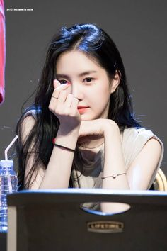 Kpop Girl Groups, Korean Girl Groups, Kpop Girls, Ahn Jae Hyun, Ulzzang Korean Girl, Cute Korean Girl, Jung Il Woo, Cinderella And Four Knights, Dip Dyed Hair