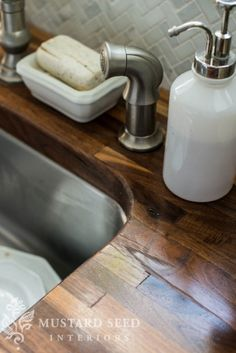62 Best Ideas For Kitchen Dark Countertops Butcher Block Counters Kitchen Sink Storage, Kitchen Redo, New Kitchen, Kitchen Remodel, Kitchen Ideas, Kitchen Tips, Kitchen Inspiration, Kitchen Island, Butcher Block Countertops