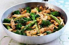 Chicken with black been sauce and broccoli