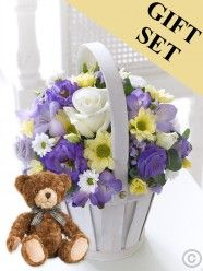 Flower baskets from FloralScents.ie are hand made with beautiful fresh cut flowers. Order a flower basket for deliver in Dublin including Sandyford and Dundrum areas. Flower Baskets, Send Flowers, Flower Delivery, Beautiful Roses, Ladies Day, Floral Wreath, Bear, Cool Stuff, Floral Crown