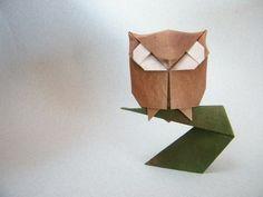 Montáž origami.  Sova na větvi