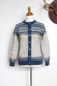 Relatert bilde Norwegian Knitting, Nordic Sweater, Fair Isle Pattern, Fair Isle Knitting, Knitting Charts, Wool Cardigan, Cardigans For Women, Autumn Fashion, Sweaters Knitted