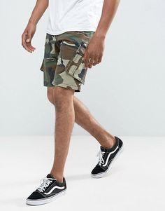 River Island | Pantalones cortos cargo de corte slim con diseño de camuflaje de River Island