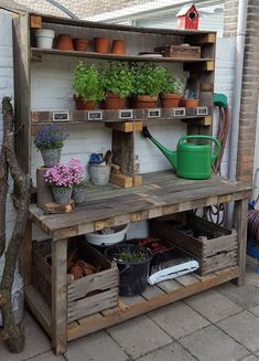 Good Photos pallet garden fence Tips No matter if you would like fence tips to define borders around your backyard, cover up a great eyesore, area . garden table potting benches Good Photos pallet garden fence Tips Outdoor Potting Bench, Potting Bench Plans, Potting Tables, Potting Soil, Rustic Potting Benches, Potting Sheds, Outdoor Benches, Patio Bench, Outdoor Ideas