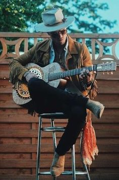 Just the coolest pic of JJ of Kaleo in Germany in June with the Runes resonator Resonator Guitar, Runes, Acoustic, Guitars, Cowboy Hats, Germany, Cool Stuff, Men, Fashion