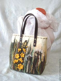 """Женские сумки ручной работы. Ярмарка Мастеров - ручная работа. Купить валяная сумка """"Полевые цветы"""". Handmade. Валяная сумка"""