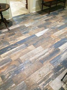carrelage parquet nuancé, carrelage imitation parquet Decor, Deco, Hardwood Floors, Home Decor, Flooring, Hardwood