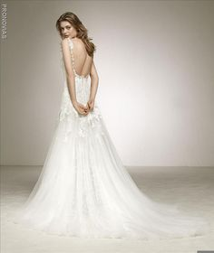 Pronovias – Dasha