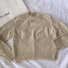 celine(セリーヌ)のCELINE 2015 FW ニット フィービー レディースのトップス(ニット/セーター)の商品写真 Knitwear Fashion, Knit Fashion, Womens Fashion, Celine, How To Purl Knit, Phoebe Philo, Knit Crochet, Sweaters For Women, Pullover