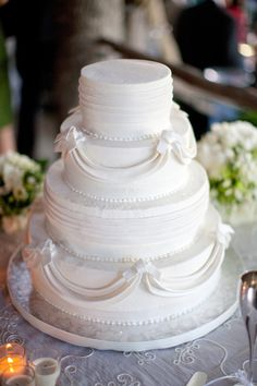 Classic White Cake exactly what I want but ivory & with pale pink & pink roses love it!