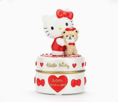 Helo Kitty 40th Anniversary Trinket Box: Hug