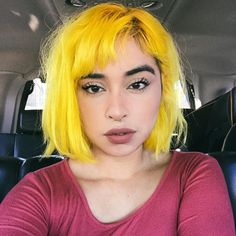 Grunge Look, 90s Grunge, Grunge Style, Soft Grunge, Grunge Outfits, Grunge Hair, Yellow Hair Color, Cool Hair Color, Neon Yellow