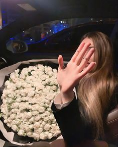 Blue Aesthetic Pastel, Flower Aesthetic, Girl Photo Poses, Girl Photos, Ft Tumblr, Chubby Fashion, Chantel Jeffries, Images Esthétiques, Beautiful Bouquet Of Flowers