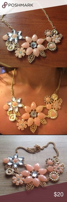 🌴NEW LISTING🌴 Statement Necklace Peach, coral. Gold Plated. Necklace, Choker. Adjustable. Faux stones. Link chain. Metal = zinc alloy. Lightweight. 16 inches. (8/27) Tamarismom Jewelry Necklaces