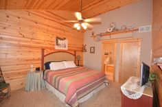 Branson Woods Resort: photos below are of the exact unit you will be staying in, Unit 20 at Westgate Branson Woods Resort. Branson Cabins, Branson Vacation, Bedroom, Wood, Furniture, Home Decor, Decoration Home, Woodwind Instrument, Room Decor