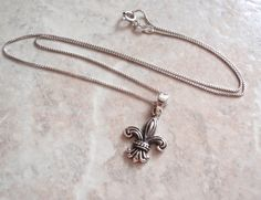 Fleur de Lis Necklace Sterling Silver 18 Inch Box Chain Vintage V0706 by cutterstone on Etsy  #fleurdelis #sterlingsilver #vintagenecklace