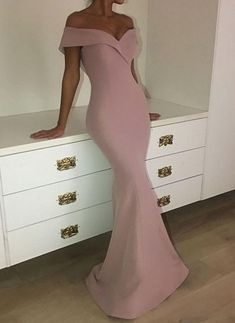 2018 Mermaid Off-the-Shoulder Sexy Long Plain Pink Prom Dresses v-neck Pink Gown prom dress Green Evening Gowns, Long Sleeve Evening Gowns, Formal Evening Dresses, Formal Dresses, Short Dresses, Red Mermaid Dress, Mermaid Prom Dresses, Strapless Prom Dresses, Pink Dresses