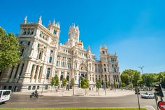 Flamboyant, colourful and eternally popular – Madrid's eclectic mix of history, culture and buzzing nightlife ensure a city-break you'll remember forever… Henley On Thames, Georgian Architecture, Thoroughbred Horse, Weekend Breaks, Stay The Night, City Break, Spa Treatments, Hotel Spa, Staycation