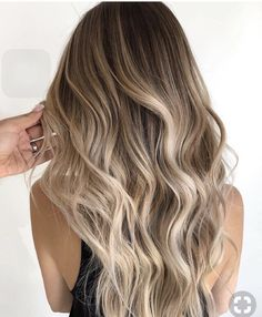 A blonde balayage for the ages— neutral light brown root shade fading into the. A blonde balayage Hair Color Balayage, Hair Highlights, Natural Blonde Balayage, Balyage Hair, Blonde Balayage On Brown Hair, Baylage Blonde, Neutral Blonde Hair, Light Brown Highlights, Honey Balayage