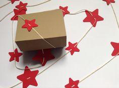 Ghirlanda di stelle di carta con scatola