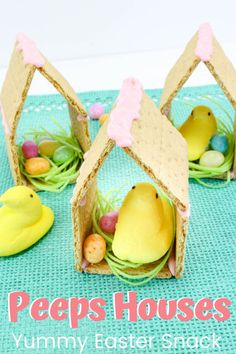 This adorable Peeps preschool Easter snack is so easy to make! Kids will love helping you assemble (and eat) this sweet treat. #peepsrecipes #eastersnacks #eastersnacksforkids #homeschoolprek