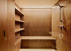 Baño #EtxeAndCo | Una vivienda en Miraconcha que quita el hipo. Buenas vistas de esta vivienda hacia la bahía de San Sebastián y también inmejorables vistas hacia el interior después de nuestra reforma integral. #Baño #Bathroom #Interiorismo #CoachingInmobiliario #Reforma #SanSebastian #Donostia
