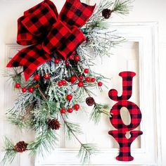 Christmas Plaid - These Holiday Decorations Have Got To Go - Photos