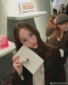 Find images and videos about krystal, luna and fx on We Heart It - the app to get lost in what you love. Krystal Fx, Jessica & Krystal, Jessica Jung, South Korean Girls, Korean Girl Groups, Krystal Jung Fashion, Very Good Girls, Slim Body, My Princess