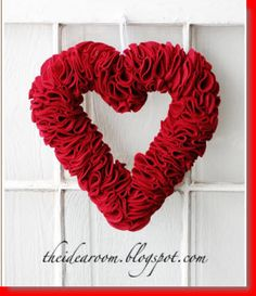 DIY Felt Heart Wreath