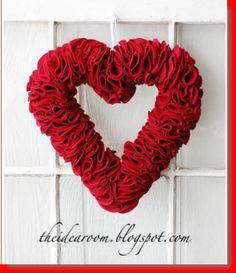 DIY Felt Heart Wreath
