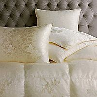 Petersburg Siberian Down Comforter by Scandia Down. Fill Power White Goose Down Duvet with German silk cover. Responsible Down Sourcing Certified. Luxury Duvet Covers, Luxury Bedding, Goose Down Pillows, Casa Patio, Down Comforter, Fine Linens, Pillow Sale, Linen Bedding, Bed Linens